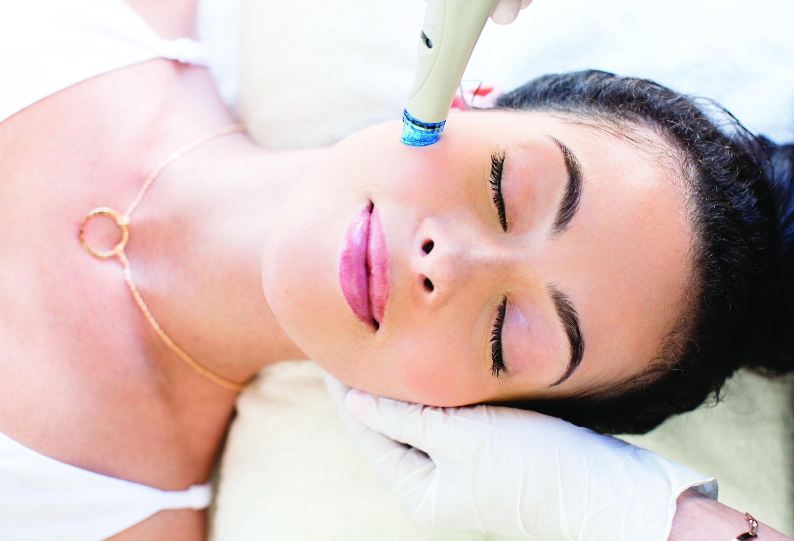 hydrafacial trattamento, hydrafacial siena, hydra facial skinfarm medical center